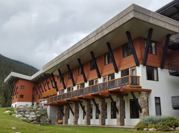Bugaboo Lodge
